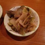 31236477 - 焼餃子セット(生ビール + 日本橋焼餃子 5個 + 本日のおすすめおつまみ) ¥850 のおすすめおつまみ