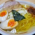 らーめん 勇 - 塩味玉らーめんは清湯魚介スープ