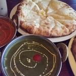 スバカマナ - アルパラク、野菜カレー、クルミナン、もろこしチーズナン☆
