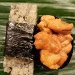 大天寿司 - 子持ち昆布とウニ
