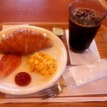 Becker's - モーニングプレート(クロワッサン)・アイスコーヒー