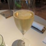 31245091 - グラスシャンパン
