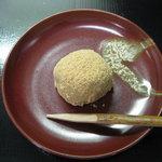 五万石 藤見屋 - 春の訪れを告げる『うぐいす餅』は、この季節ならではの商品です