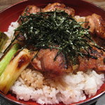 初音屋 - 地鶏丼