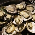 魚菜家 - 広島かき殻焼き