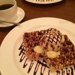 カフェ ブラン - チョコカスタードワッフル