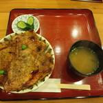 はげ天 本店 - 特選豚丼(4枚)980円