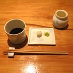 蕎麦 案山子 - ざる蕎麦を待ってます (2014/09)