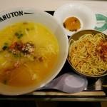 ちゃぶ屋 とんこつらぁ麺 CHABUTON - 鶏旨らぁ麺 コラーゲンボール添え¥770 +替玉¥30