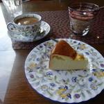 31269722 - ケーキセット コーヒーとチーズケーキ