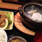 ごま屋ちゅう兵衛 - 京鴨煮込み黒ごまうどん、鶏のごま唐揚げセット