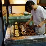 福田屋 - 本当にこれで焼いてくれます。(顔は加工済み)