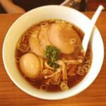 らーめん 三福 - 味玉らーめん 醤油 800円