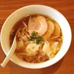 らーめん 三福 - えびワンタン麺 醤油 800円