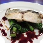 31275398 - 鮮魚のソテー 赤ワインソース (2014/09)