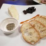 ワインバー エム - スーズのウォッシュチーズ (2014/09)