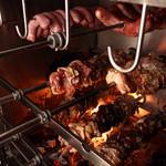 ブラジリアン食堂 BANCHO - 肉、焼いてます