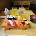 味創 - 料理写真:にぎり寿司