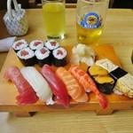 味創 - 料理写真:にぎり寿司 UP