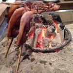 鹿肉が香ばしく焼き上がっていきます