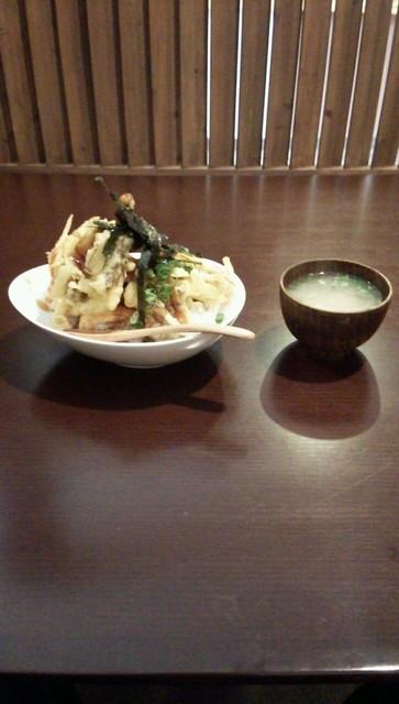 四季菜 - たっちょほねく丼セット