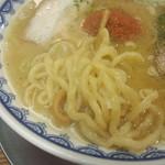 龍上海 横浜店 - 赤湯からみそラーメン※麺拡大