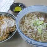 うどんの富久 - 本日のおいらのランチはカスうどんとミニ親子丼2014/10月