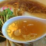 31296462 - 透明感があるスープは、醤油が強すぎか?