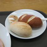 腸詰屋 - 「バイエルンステーキセット(パン)」のパンです。