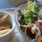 31303104 - オムライスセットのペンネサラダ、野菜サラダ
