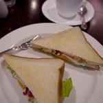 UCC CAFE PLAZA - 目玉焼きとレタスのサンドモーニング