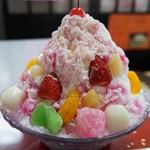 うらら - 料理写真:フルーツ白玉氷水(650円)