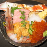市場食堂 さかなや - 「豪華北海丼」日替わりランチ¥1500小鉢、味噌汁付き