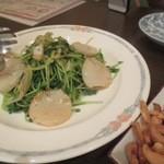 鯛麺真魚 - ホタテと豆みょうの炒め