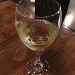 マルハチ商店 - グラスワイン 白