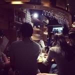 新宿ワイン酒場 - カウンター