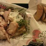 サブウェイ - 「2014秋のセット」よりクラブハウスサンドイッチ(ベーコン&チキンと半熟たまごサラダ)とオーブンポテトです。