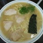 ラーメン げんこつ家 - ラーメン大盛り650円(2014.9)