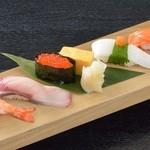 すしめん処 大京 - 料理写真:「親潮にぎり」・・・大京一番人気!新鮮で上質なネタを、1カン1カンご注文を受けてから握っています。