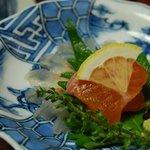奈良屋旅館 - (夕食)【造里】岩魚の薄造り 川鱒 芽物一式
