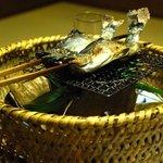 奈良屋旅館 - (夕食)【焼き鉢】岩魚の笹焼き