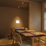 SHIMOMURA - 1階の4名様個室、ディナーは喫煙可です