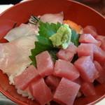 胡蝶 - お昼の和定食 海鮮丼