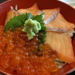 胡蝶 - お昼の和定食 鮭イクラ丼