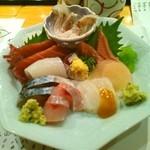 鮮魚・お食事処 山正 - お刺身の盛り合わせ