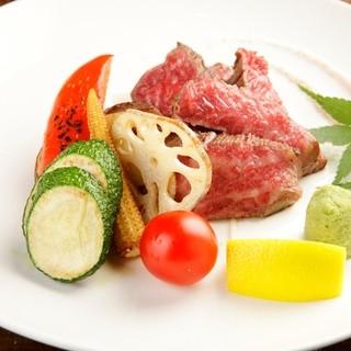 厳選された京都牛A5ランク・魚・菜が揃った北新地の居酒屋