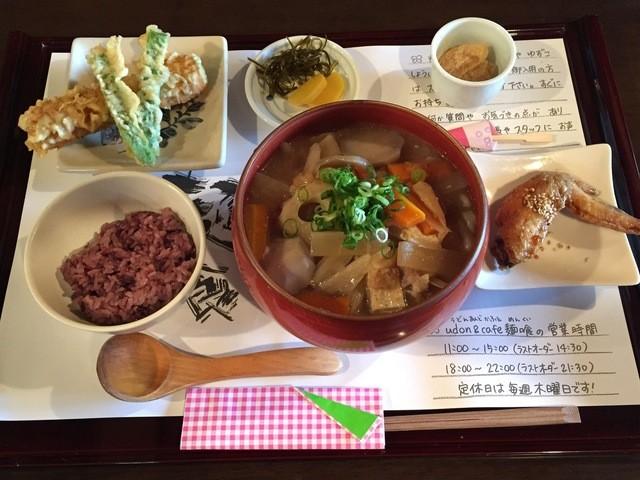 麺喰 - しっぽくうどんのセット