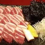 炭火亭 - 黒豚のりトロ巻焼