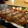 ヴィクトリアステーション - 料理写真:厚切りアンガスサーロインステーキ 990円+税