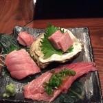 京鴨と燻製酒場 KAMOSHIGIN - 本マグロ食べ比べ